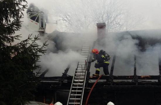 Drewniany dom rodziny z Woźnik spłonął doszczętnie/zdjęcie: LG - WadowcieOnline.pl