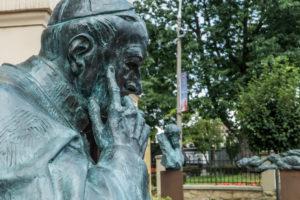 Wystawa rzeźb Karola Badyny w roku beatyfikacji Stefana Kardynała Wyszyńskiego